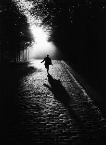 Sabine Weiss - Vers la lumière, Paris, 1953